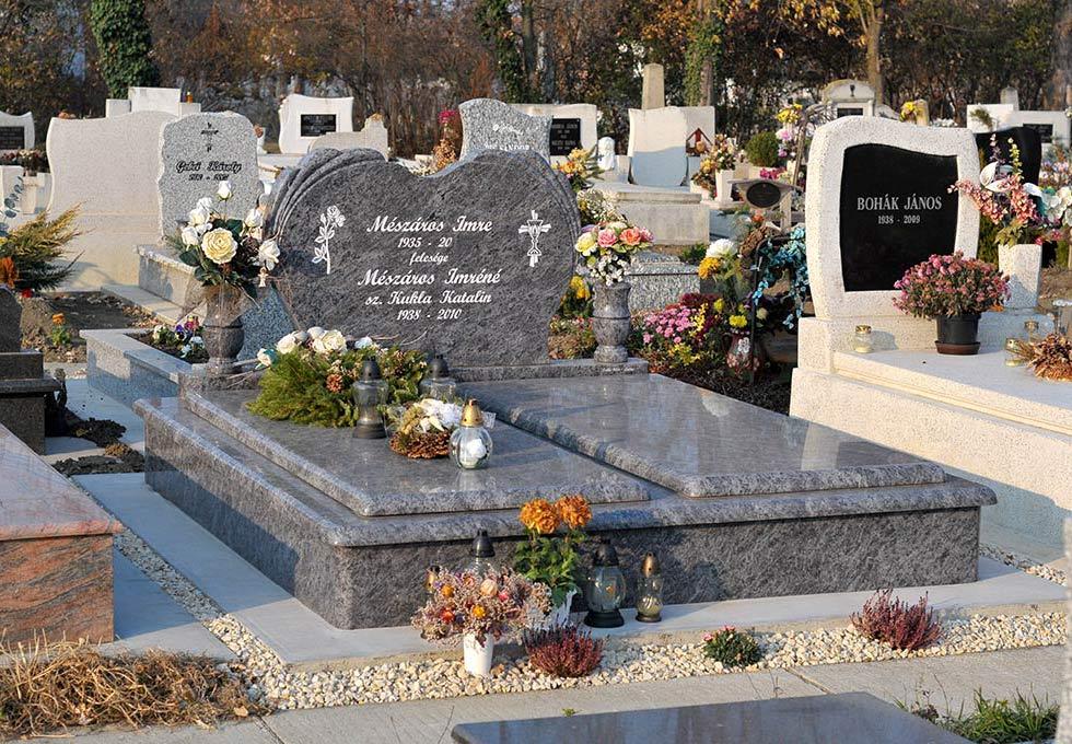 Egyszemélyes-, dupla sírkövek és kripták